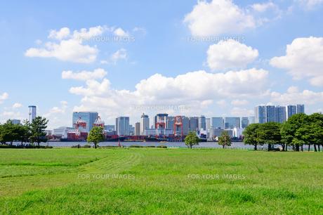 東京 お台場海浜公園からの眺めの素材 [FYI00064867]