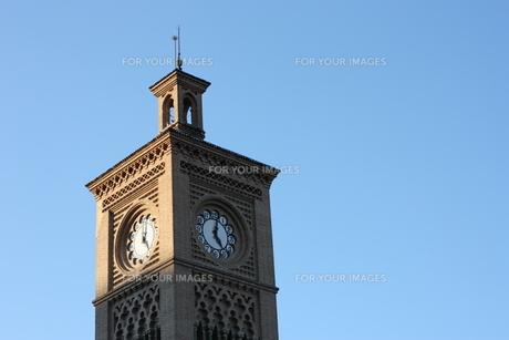 トレド駅の時計の写真素材 [FYI00065191]