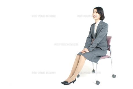 面接中の女性の写真素材 [FYI00068278]