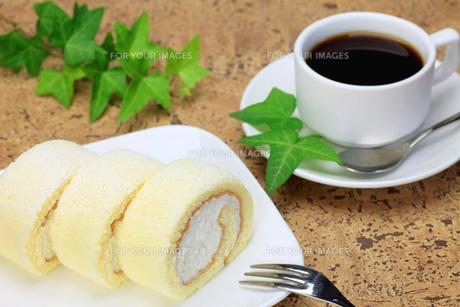 ケーキとコーヒーの写真素材 [FYI00069830]