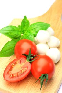 チーズとトマトの写真素材 [FYI00071242]