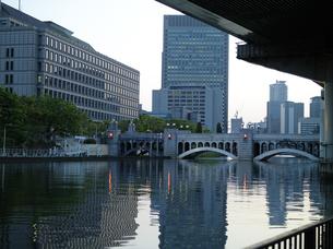水晶橋と堂島川の写真素材 [FYI00073323]