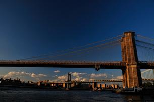 ブルックリンブリッジとマンハッタンブリッジの素材 [FYI00073432]