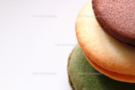 クリームサンドクッキーの写真素材 [FYI00074359]