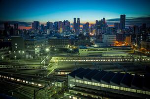 東京の目覚めの写真素材 [FYI00075320]