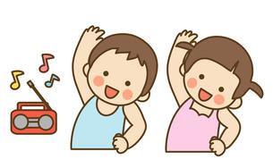 ラジオ体操する子供の写真素材 [FYI00075836]