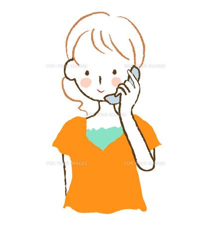 電話をする女性の写真素材 [FYI00075872]