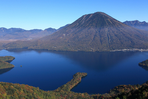 中禅寺湖と男体山の写真素材 [FYI00076481]