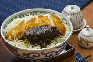 味噌カツ丼の写真素材 [FYI00076748]