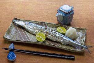 焼き秋刀魚の写真素材 [FYI00076857]