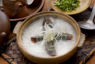 ピータン入り中華粥の写真素材 [FYI00077048]