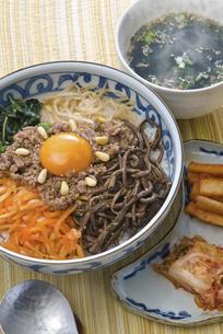 ビビンバ(韓国)の写真素材 [FYI00077139]