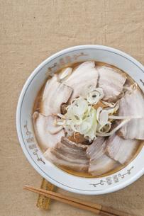 叉焼麺の写真素材 [FYI00077802]