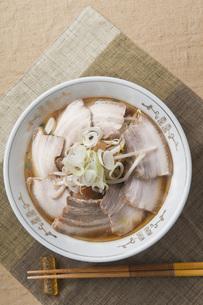 叉焼麺の写真素材 [FYI00077817]