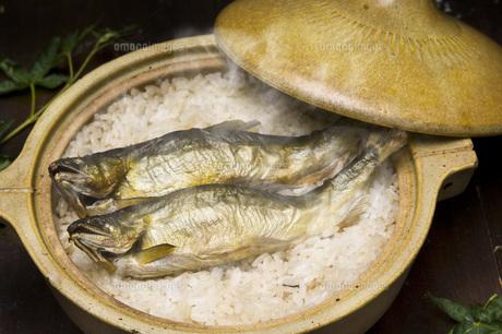 鮎炊き込みご飯の写真素材 [FYI00077883]