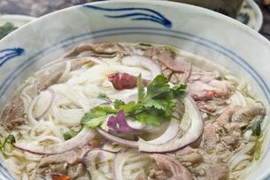 ベトナム風牛肉スープ麺の写真素材 [FYI00077964]