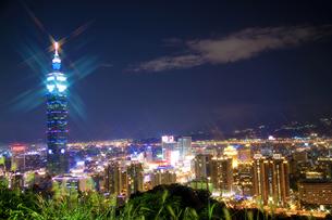 台北101の夜景の写真素材 [FYI00080059]