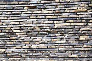 幾何模様の練り塀の写真素材 [FYI00080211]