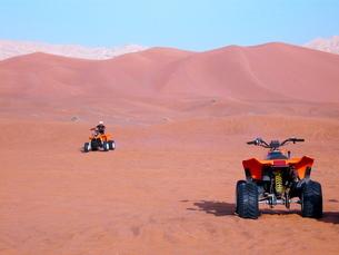 砂漠のアクティビティの写真素材 [FYI00081495]