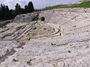 シラクサのギリシャ劇場の写真素材 [FYI00081673]