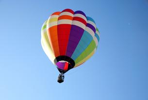 熱気球の写真素材 [FYI00082628]
