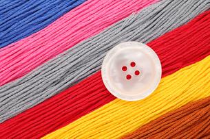 釦と糸の写真素材 [FYI00082712]