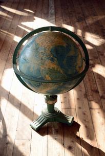 古い地球儀の写真素材 [FYI00084143]