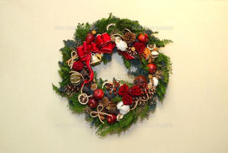 クリスマスリースの写真素材 [FYI00084940]