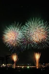 花火大会01の写真素材 [FYI00085091]