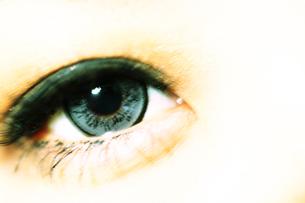 グレーの瞳の素材 [FYI00085241]