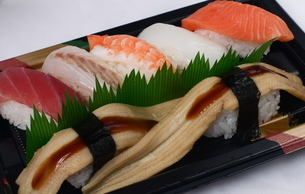 テイクアウト寿司の写真素材 [FYI00088391]