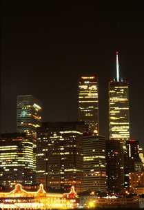 ワールドトレードセンター夜景の写真素材 [FYI00088403]