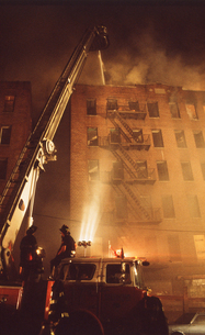 アパートメント火災 ニューヨークの写真素材 [FYI00088567]