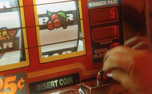 カジノのスロットマシンの写真素材 [FYI00088613]