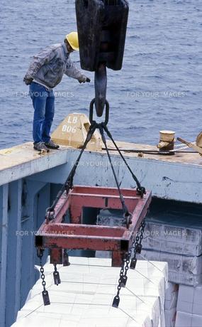港での荷揚げの写真素材 [FYI00088636]