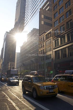 ニューヨーク イエローキャブの写真素材 [FYI00088733]