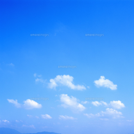 青空と雲の素材 [FYI00088839]