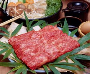 すき焼き用牛肉の写真素材 [FYI00088997]