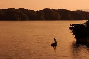 ダムで釣りの写真素材 [FYI00089070]