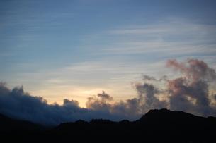 大神山展望台から見た夜明けの写真素材 [FYI00089101]