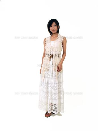 白いノースリーブの女性の素材 [FYI00089499]
