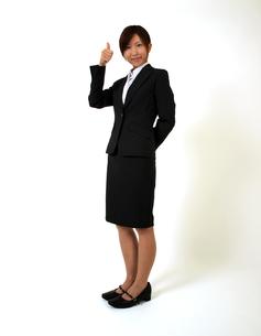 指を立てるビジネスウーマンの写真素材 [FYI00089508]