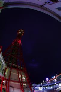 深夜のポートタワー側面(縦2)の写真素材 [FYI00089548]