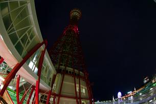 深夜のポートタワー側面(横2)の写真素材 [FYI00089587]