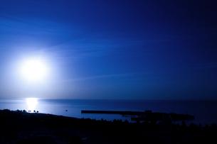 日の出(横4)の写真素材 [FYI00089611]