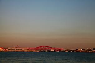 神戸大橋の夕景-横-の写真素材 [FYI00089659]