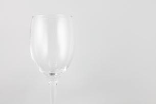 ワイングラス-横1/右スペースの写真素材 [FYI00089919]
