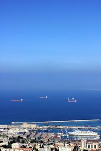 イスラエル・ハイファ(Haifa)の港(縦1)の素材 [FYI00090003]