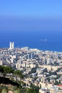 イスラエル・ハイファ(Haifa)の港(縦2)の素材 [FYI00090036]