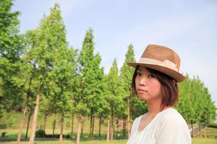 Princess MAIKO Benicio/麦わら帽子の写真素材 [FYI00090400]